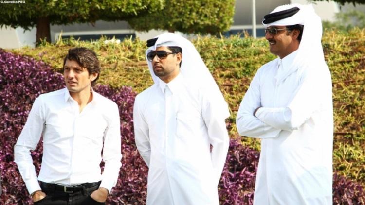L'Emir du Qatar en inspection au Camp des Loges