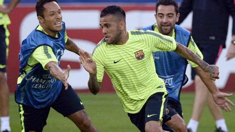 ex-femme) du latéral droit du FC Barcelone Daniel Alves Dinorah Santa Ana révélait qu'elle avait reçu des offres de plusieurs clubs pour le joueur de 33.