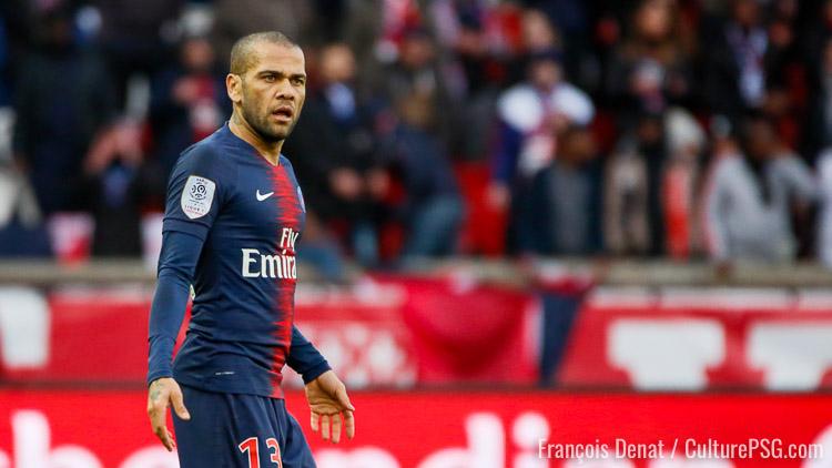 Alves bientôt fixé sur son avenir — PSG