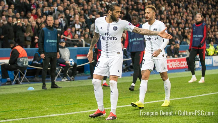 Club: Sa prolongation, Dani Alves lance un avertissement