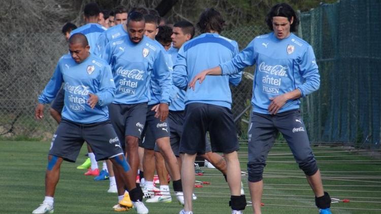 Cavani titulaire face au Chili — Uruguay