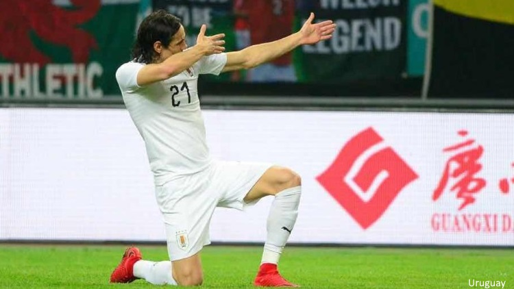 EN IMAGES. Cavani marque encore avec l'Uruguay