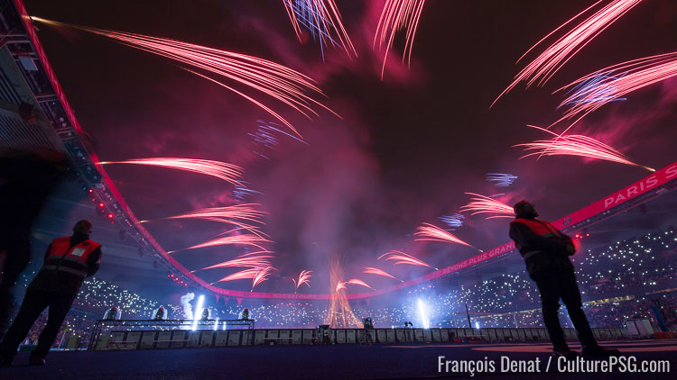 http://media.culturepsg.com/image/news/feu_artifice_parc_des_princes_psg.jpg