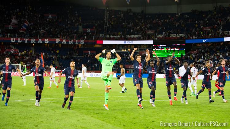 Au PSG, les joueurs touchent des primes pour aller saluer le public