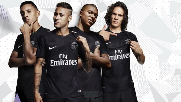 Club : Le PSG officialise son maillot Europe pour la saison