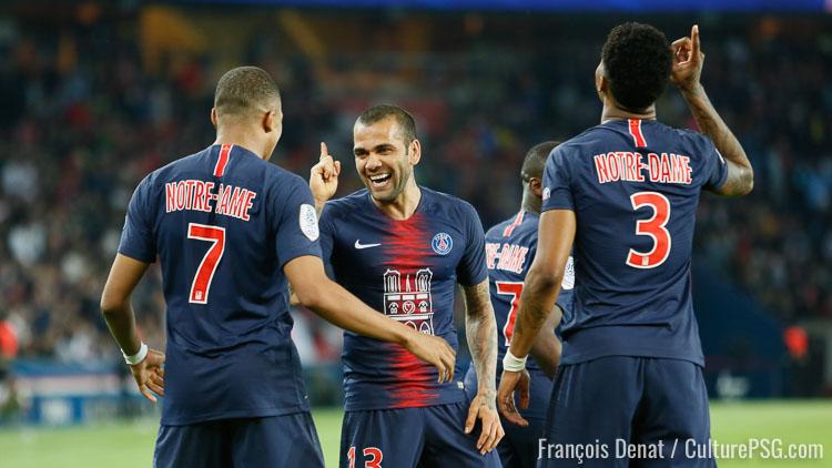 Les maillots Notre-Dame vendus en moins d'une demi-heure — PSG