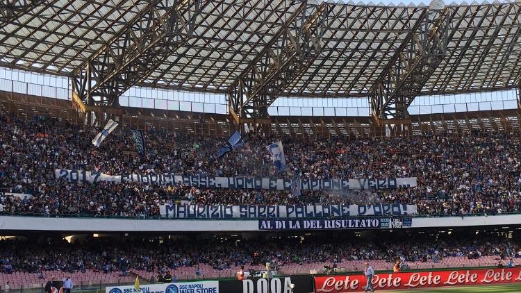 Supporters Des Ultras Du Psg Vus A Naples La Presse Locale Evoque
