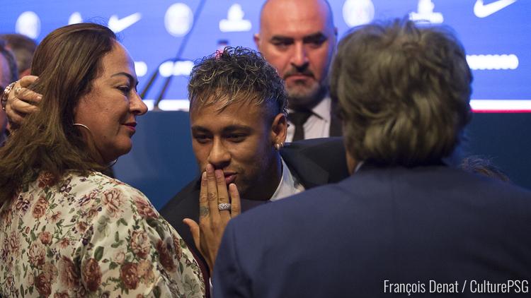 On sait pourquoi Neymar est rentré au brésil
