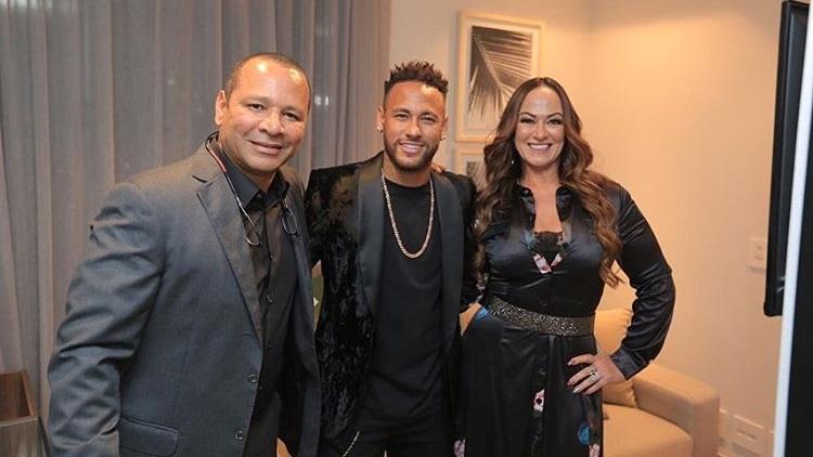 Cette rumeur farfelue sur Neymar fait ricaner Pierre Ménès au mercato — PSG