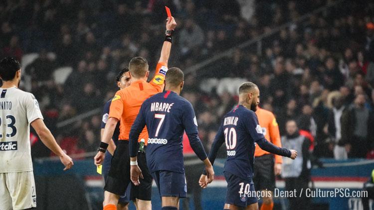 Un match ferme pour Neymar