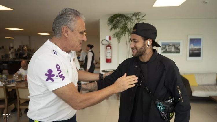 Neymar destitué, Dani Alves récupère le brassard
