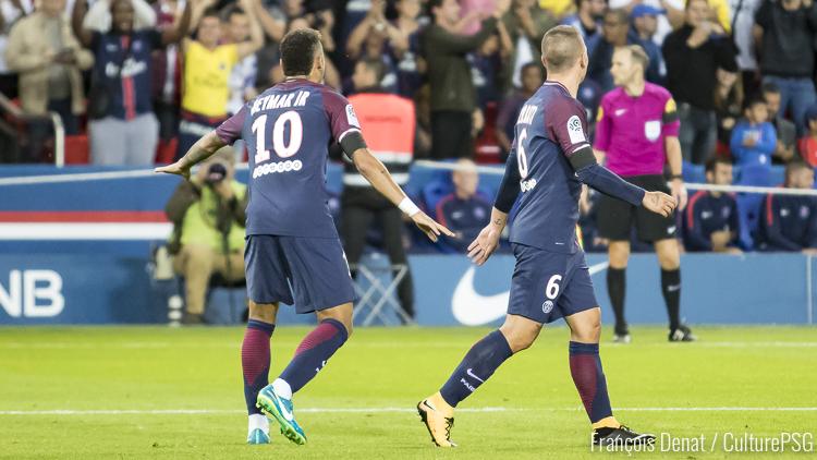 Iniesta s'enflamme pour Verratti — PSG