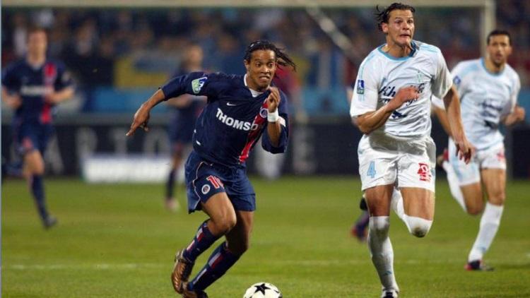 Ronaldinho prend sa retraite — Ancien