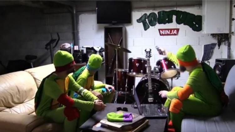 Vid o le film des tortues ninja apr s leur irruption au roazhon park culturepsg - Mechant tortues ninja ...