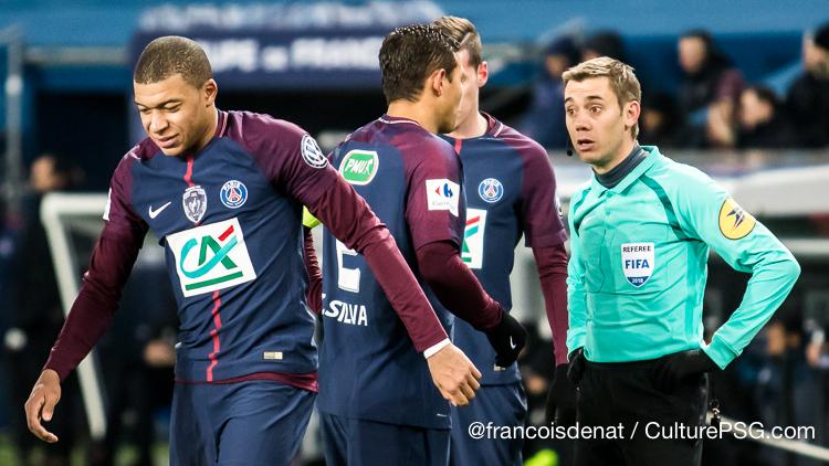 Clément Turpin au sifflet pour la finale
